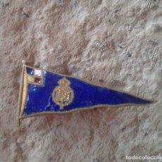 Pins de colección: ANTIGUO PIN BROCHE AZUL ESCUDO. Lote 110147291