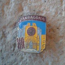 Pins de colección: ANTIGUO PIN BROCHE ESCUDO TARRAGONA. Lote 110147431