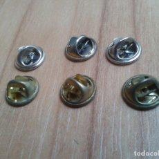 Pins de colección: BOTONES 6 SUJETA PIN -- PLATEADOS Y DORADOS -- HEMBRA. Lote 110494919