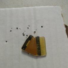 Pins de colección: PIN ACORDEON. Lote 110873090