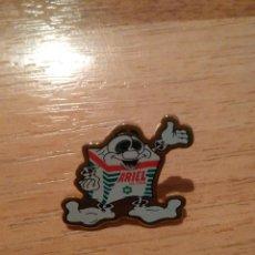 Pins de colección: ANTIGUO PIN DE PUBLICIDAD ARIEL ULTRA. Lote 111322279