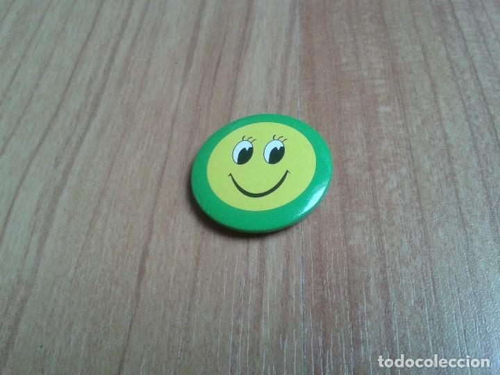 CHAPITA CHAPA INPERDIBLE - PIN -- SONRISA -- SMILE (Coleccionismo - Pins)