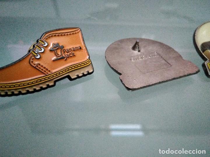 Pins de colección: Pins grupos musicales y Panama. 2 son chapas con pua. Uno pua rota (verfotos adicionales) - Foto 4 - 113498635