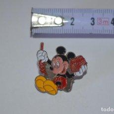 Pins de colección: COLECCIÓN PINS PIN PARA ROPA MICKEY MOUSE COFRE AVENTURERO PERSONAJE ANIMACIÓN WALT DISNEY TV. Lote 114116563