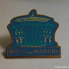 Pins de colección: GRANDE Y ANTIGUO PIN DE LA BOLSA DE MADRID EN PERFECTO ESTADO DÉCADA DE LOS 80. Lote 116100939