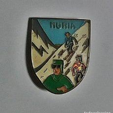 Pins de colección: ANTIGUA INSIGNIA AGUJA SOLAPA - NURIA. Lote 116554543