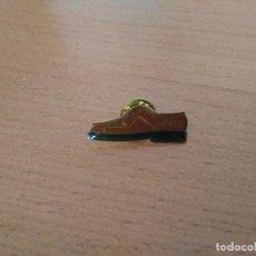 Pins de colección: PIN ZAPATO MYRYS - PUBLICIDAD. Lote 116751799