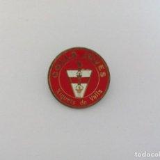 Pins de colección: COLLA INSIGNIA JOVES XIQUETS DE VALLS. Lote 116831415