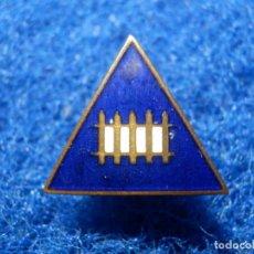 Pins de colección: INSIGNIA ESMALTADA - DE IMPERDIBLE - VALLA - TRENES Y TRANVIAS -. Lote 118855427