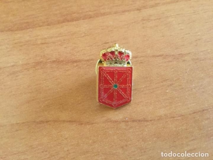 Pins de colección: Pin del Escudo del Antiguo Reino de Navarra - Foto 2 - 121421699