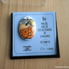 Pins de colección: PIN CERÁMICA 8A. FIRA DEL DISC DEL COLECCIONISTA (OCT 1992) NO. 170 / 1000 (CATALUNYA RADIO). Lote 124940519
