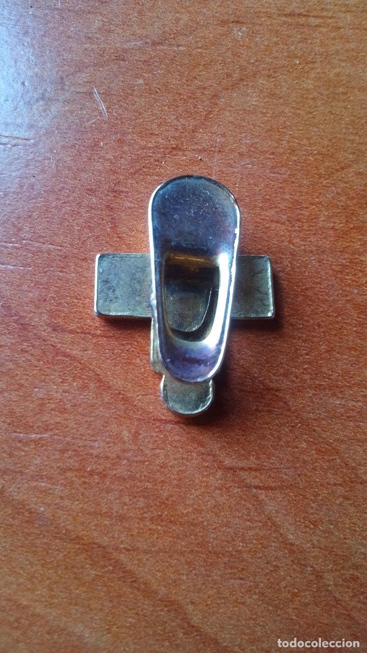 Pins de colección: INSIGNIA DE OJAL - DONANTES DE SANGRE - AÑOS 70-80 - Foto 2 - 128343023