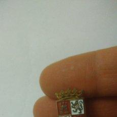 Pins de colección: CASTILLA Y LEON. PIN.. Lote 128675779