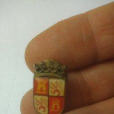 Pins de colección: CASTILLA Y LEON. PIN.. Lote 128675844