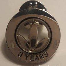 Pins de colección: PIN HERBALIFE 3 AÑOS. Lote 129077131