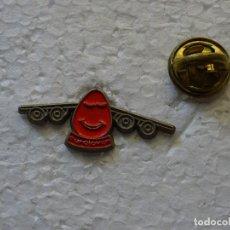 Pins de colección: PIN DE AVIONES AEROLÍNEAS. EUROJOVEN AVION. Lote 130414798