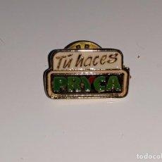 Pins de colección: ANTIGUA INSIGNIA PIN DE PRYCA - TU HACES PRYCA - AÑOS 80. Lote 146048717
