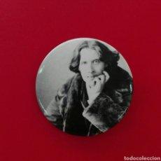 Pins de colección: CHAPA DE IMPERDIBLE DE OSCAR WILDE. Lote 183881962