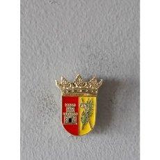Pins de colección: PIN ESCUDO VALLAT (CASTELLÓN). Lote 183892601