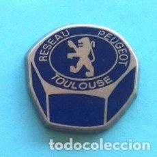 Pins de colección: PIN PEUGEOT TOULOUSE. Lote 131076708