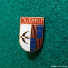 Pins de colección: ANTIGUA INSIGNIA PIN DE AGUJA ESMALTADO QUERALT. Lote 131426898