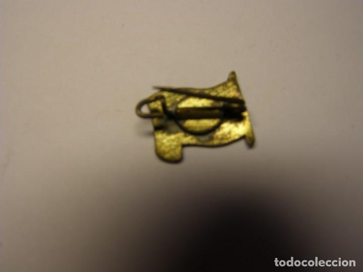 Pins de colección: Antiguo pin insignia con la bandera de Arabia Saudí. - Foto 2 - 131582502