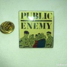 Pins de colección: ANTIGUO PIN PUBLIC ENEMY - MUSICA. Lote 132803314
