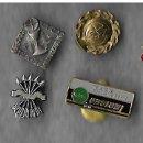 Pins de colección: LOTE DE SIETE PINS ANTIGUOS DE OJAL O IMPERDIBLE DIFERENTES. Lote 134318098