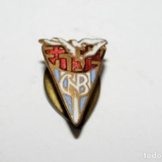 Pins de colección: CLUB NATACION BARCELONA. ANTIGUA INSIGNIA DE SOLAPA. ORIGINAL. Lote 135131762