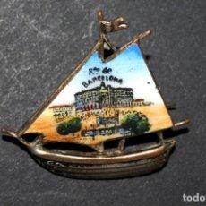 Pins de colección: RECUERDO DE BARCELONA. ANTIGUA INSIGNIA ESMALTADA DE AGUJA. ORIGINAL. Lote 135139082