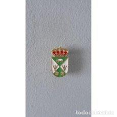 Pins de colección: PIN ESCUDO CABAÑAS DE YEPES (TOLEDO). Lote 136298954