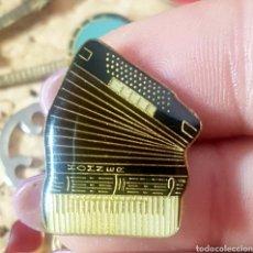 Pins de colección: PIN ACORDEÓN. Lote 136596165
