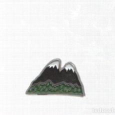 Pins de colección: PINS: BERGUEDA - COMARCAS DE CATALUÑA, COLECCIONABLE CATALUÑA MODERNA - EL PAIS. Lote 136669880