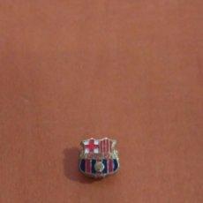Pins de colección: ANTIGUO PIN DEL FC BARCELONA AÑO 1959. Lote 136828402