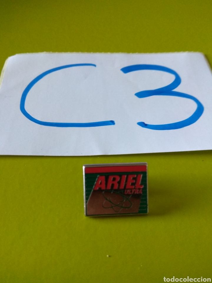 PIN DETERGENTE ARIEL ULTRA (Coleccionismo - Pins)