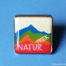 Pins de colección: PIN NATURTREK. NATURALEZA Y AVENTURA. Lote 137871442