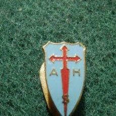Pins de colección: INSIGNIA PARA OJAL DE SOLAPA - A.H.S - SIN DETERMINAR POR EL MOMENTO -. Lote 138147634
