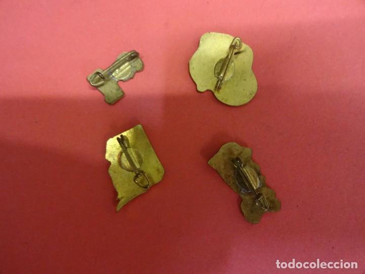 Pins de colección: Lote de insignias PUBLICITARIAS. Originales años 1960s - Foto 2 - 139601802