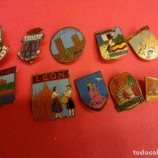 Pins de colección: LOTE DE INSIGNIAS ESCUDOS LOCALIDADES ESPAÑOLAS. ORIGINALES AÑOS 1960S. Lote 139602546