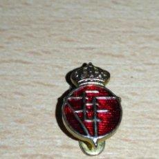 Pins de colección: ANTIGUA INSIGNIA DE SOLAPA DE LA FEDERACION ESPAÑOLA DE FUTBOL. Lote 140440550
