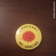 Pins de colección: ANTIGUA CHAPA. NUCLEAR. VER REVERSO. (PIN). Lote 143653102