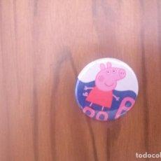 Pins de colección: CHAPA. PEPPA PIG. 31 CM. PARTE DE ATRÁS METÁLICA. BUEN ESTADO. SIN USO. RARA. Lote 143878222