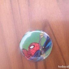 Pins de colección: CHAPA. SPIDERMAN 31 CM. PARTE DE ATRÁS METÁLICA. BUEN ESTADO. SIN USO. RARA. Lote 143878566