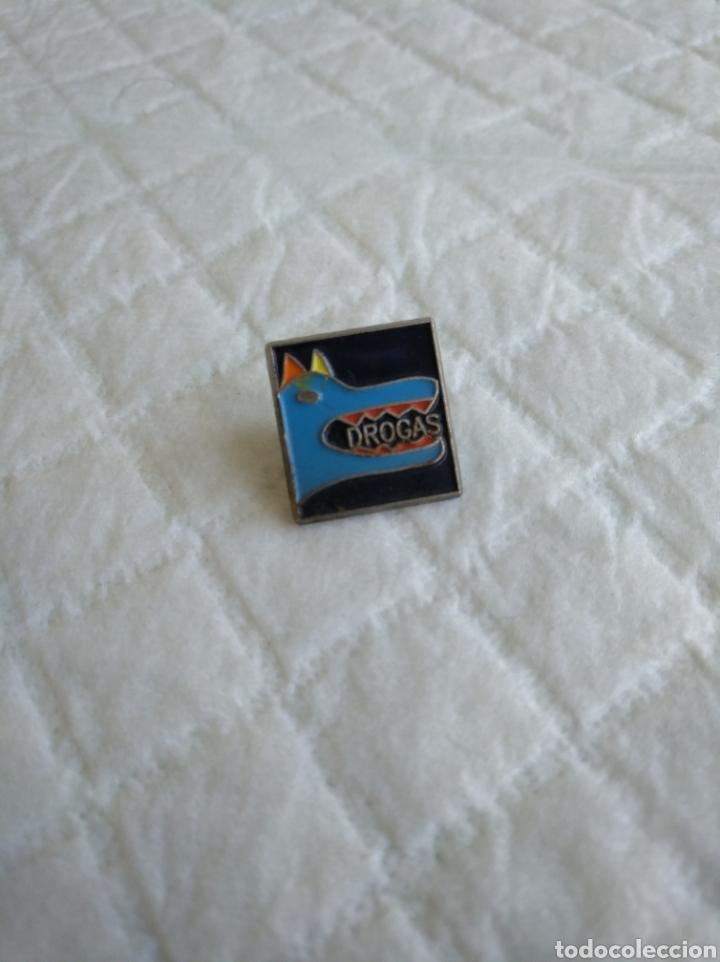 PIN DROGAS (Coleccionismo - Pins)