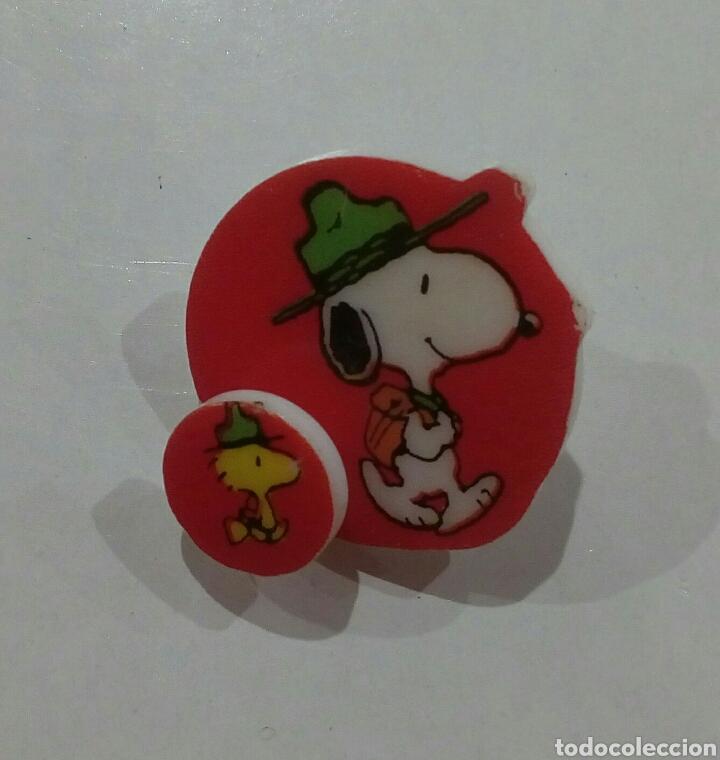 Pins de colección: Ping o chapa de Snoopy de plastico años 1980 - Foto 2 - 146572714