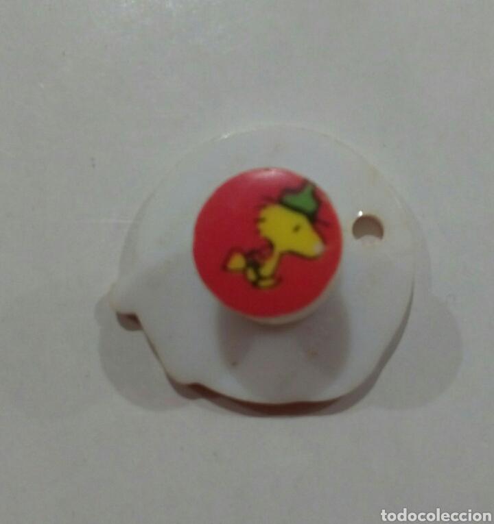 Pins de colección: Ping o chapa de Snoopy de plastico años 1980 - Foto 3 - 146572714