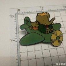 Pins de colección: PIN DIBUJOS ANIMADOS - ELEFANTE BABAR 1990. Lote 180301743