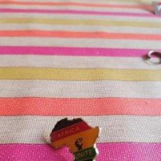 Pins de colección: DE COLECCIÓN PIN CONTINENTE DE AFRICA UNITE. Lote 147097782