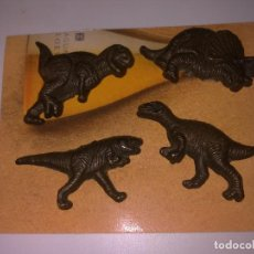 Pins de colección: LOTE 4 PINS DINOSAURIOS. Lote 147909066