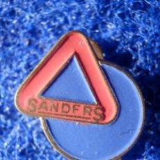 Pins de colección: INSIGNIA PARA OJAL DE SOLAPA - SANDERS -. Lote 147948666
